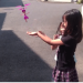 日本爸爸買了玩具給女兒們, 結果飛走了…Σ(;゚д゚)