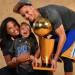 恭喜!!金州勇士队Stephen Curry喜获一女!