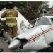 生死一瞬間! 小客機墜毀於在車來車往的交通幹道  所幸無人傷亡