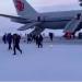 [影] 赴洛杉磯客機俄羅斯緊急降落 空姐吼:別拿東西!跑!