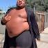Rihanna欽點!靈活黑人胖男半裸代言彩妝 創下百萬流量
