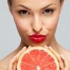 噴香水也會變黑?注意有柑橘類成分的香水!