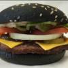 盼了好久的萬聖節的黑色漢堡終於要在美國發售了!