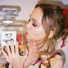 跟随母亲的脚步~Chanel N°5 L'eau 香水代言人就是她!