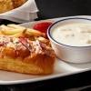 身為一間打著龍蝦招牌的餐廳,Red Lobster 終於趕上潮流推出龍蝦捲啦!