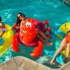 泳池派對必備「小美人魚」系列!水上浮床+人魚尾毛巾超吸睛~