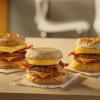麥當勞推升級版早餐!巨型Triple Breakfast Stack下週全國開售