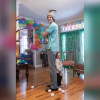 「世界最小男子」慶祝28歲生日 與身高195弟弟相差近3倍