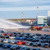 防疫兼娛樂 立陶宛機場變身露天汽車影院