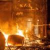 Minneapolis George Floyd 事件引发民众暴动,火烧警察局,CNN 记者被捕….