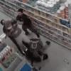 兩顧客未戴口罩,把超市員工毆打入院