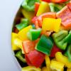 降低膽固醇、提升免疫力、幫助排便…營養師告訴你哪個甜椒好?