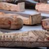 影/2500年后重见天日!埃及古墓出土上百具彩绘棺木