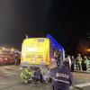 紐約聯結巴士無故撞毀 車頭懸掛15公尺橋上釀7傷