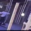 仇恨亞裔事件一樁又一樁 紐約無辜女士被踢在地警衛冷漠關門 地鐵男士被暴力襲擊至昏迷