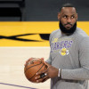 NBA/ Lakers 备战季后赛 LeBron James 将缺席 LA 内战