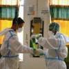 變異病毒加心態鬆懈 印尼醫護打完疫苗仍確診