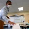 美各地施打疫苗爭議多 加州率先強制教職員接種