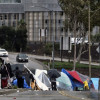 洛杉磯數萬遊民寄生街頭 市府清除帳棚面臨反彈