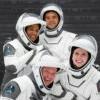 SpaceX 全平民組員上太空 首度報平安:健康開心[影]