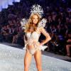 2017年Victoria's Secret秀12/5登场 细数历史上经典翅膀和超模(上)