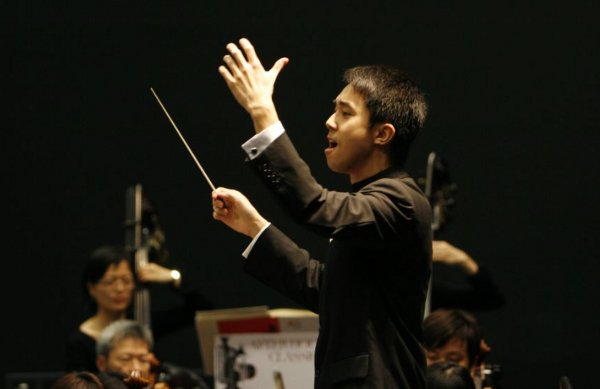 conductor-perry-so-2-mask9