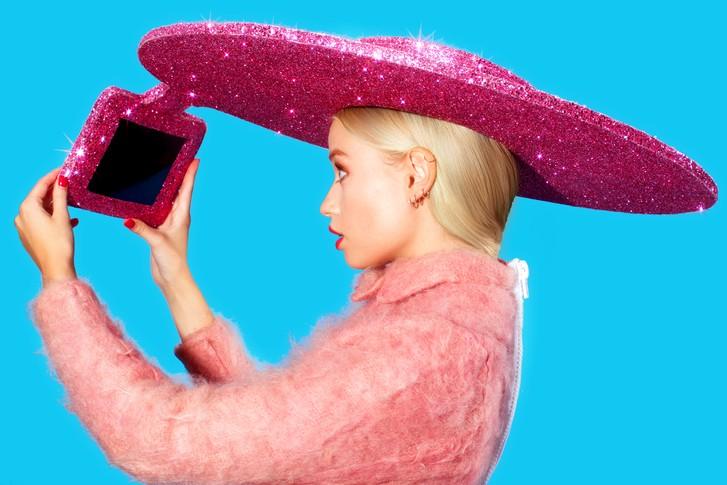selfie hat