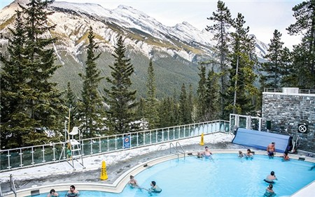 banff-upper-hot-spring-002