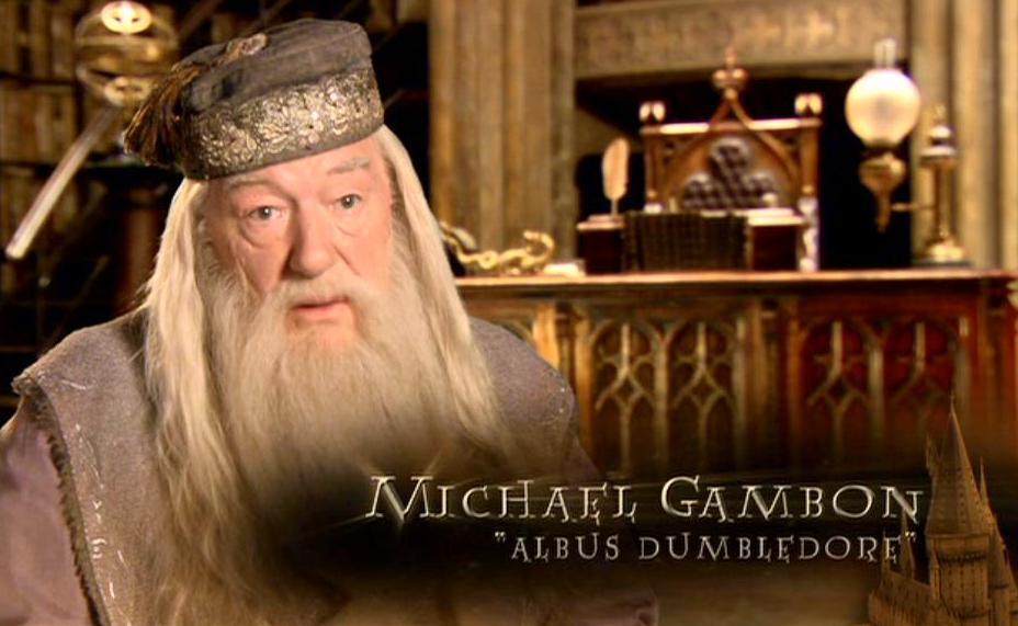 Michael_Gambon_(Albus_Dumbledore)_HP6_screenshot