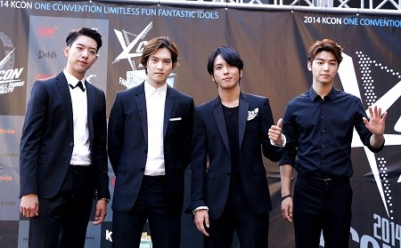2014-kcon-2red-CNBLUE-1