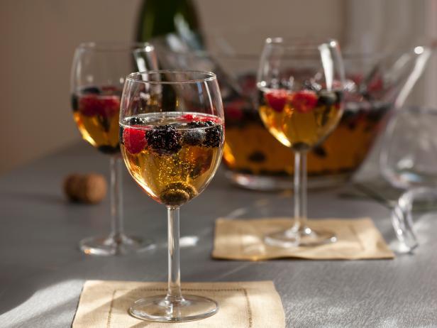 CC_Sparkling-Wine-Sangria_s4x3.jpg.rend.snigalleryslide