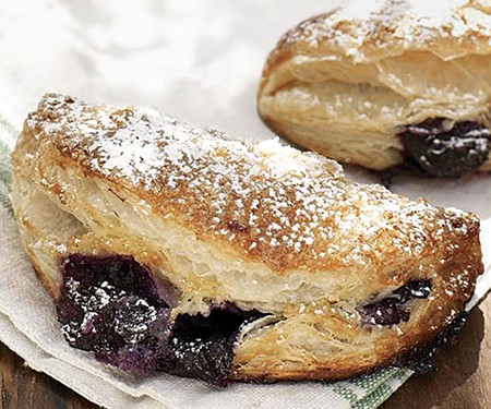 051106006-01-blueberry-pocket-pies_xlg