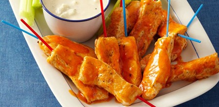 Buffalo-Chicken-Fingers-With-Blue-Cheese-Dip-610x300