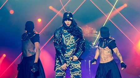 Rihanna_with_dancers_live_at_Kollen_Music_Festival_2012