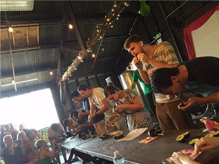 Avocado Festival001