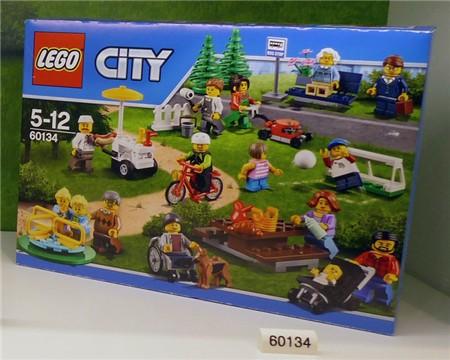 lego-wheelchair-boy002