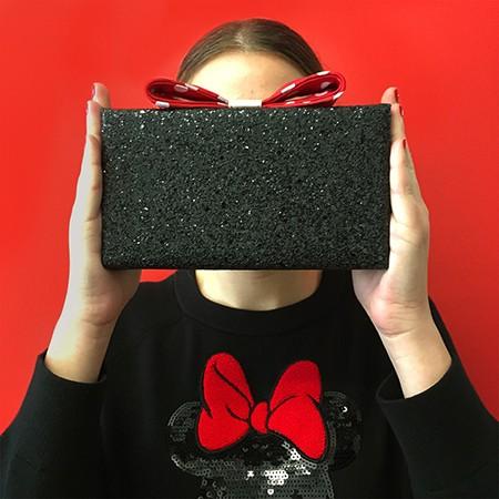 Kate-Spade-Minnie-Mouse-Clutch-1000x1000