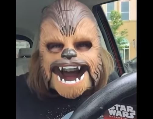 收假不憂鬱! Chewbacca Mom用狂笑治癒你的心~