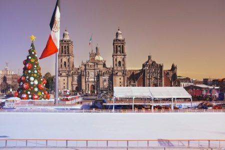 christmas-mexico-city-cathedral-zocalo