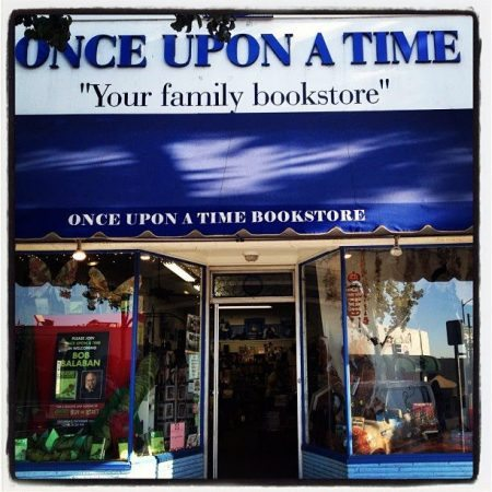 005_Once upon a time bookstore_internet