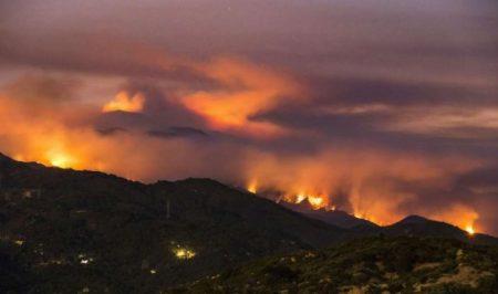 CA wildfire 2017 4 AP