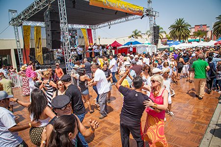 Oxnard_Salsa_Festival_Main_Stage_Dance_Floor_2