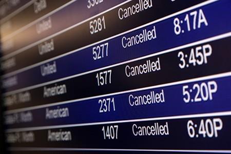 东部极寒天气造成lax多班航班被取消